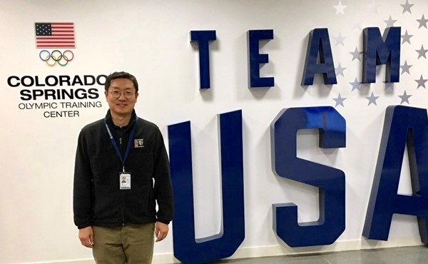 Dr Yoo-shik volunteers at the olympic games