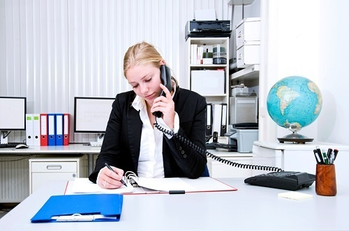 Phone calls in medical practices should be replaced with text and email messages